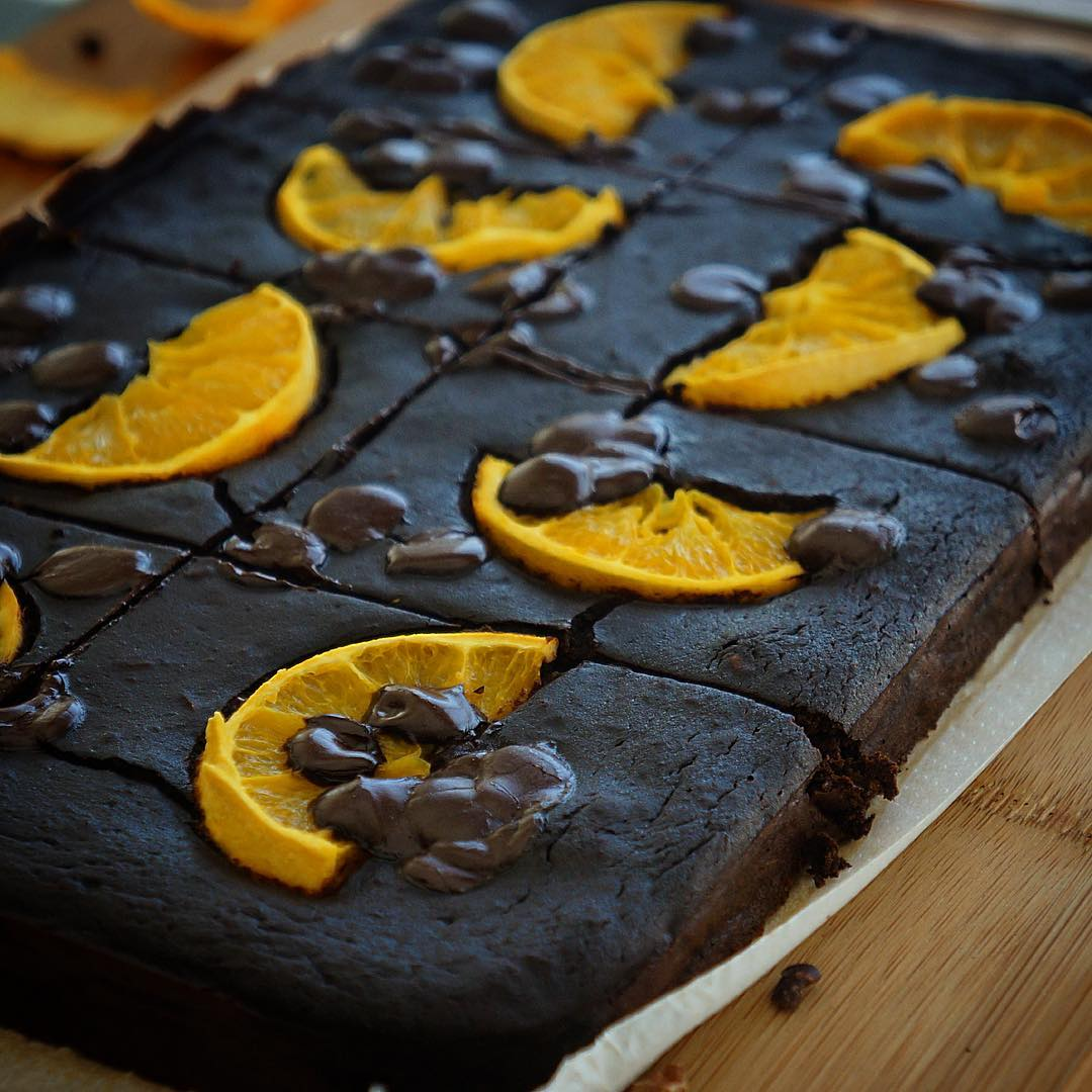 Brownie de chocolate y naranja saludable